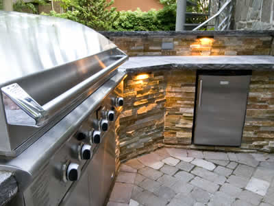 Outdoor Kitchen - Oakville Landscaping by Let's Landscape Together